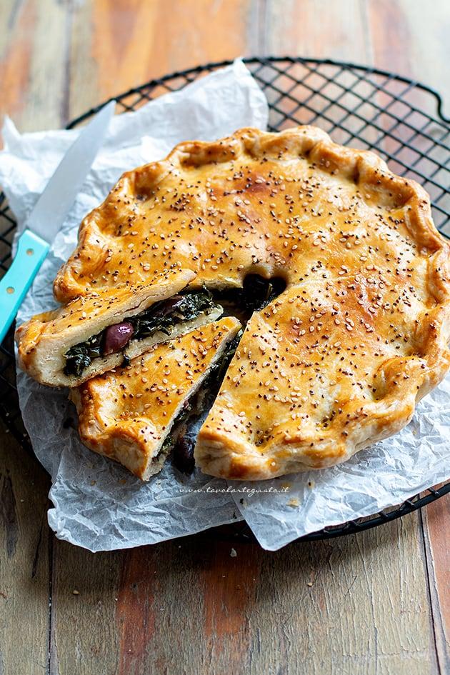 Torta salata con cicoria - Ricetta Torta salata con cicoria
