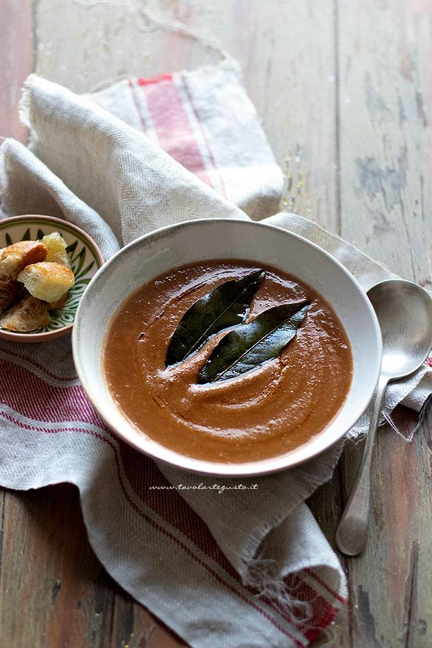 Vellutata di lenticchie - Crema di lenticchie - Ricetta veloce e saporita-