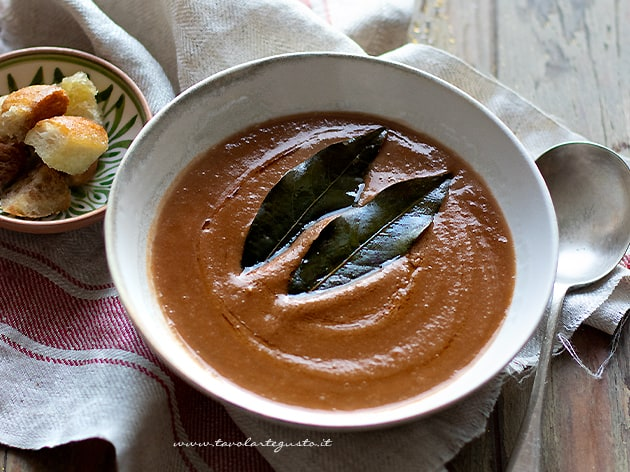 Vellutata di lenticchie - Crema di lenticchie - Ricetta veloce e saporita