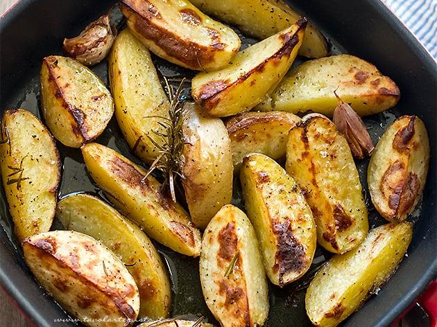 Patate al forno - Ricetta Patate al forno croccanti-