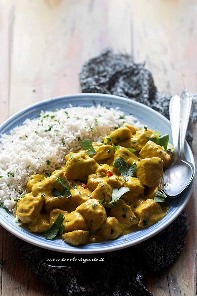 Pollo al curry - Ricetta pollo al curry-
