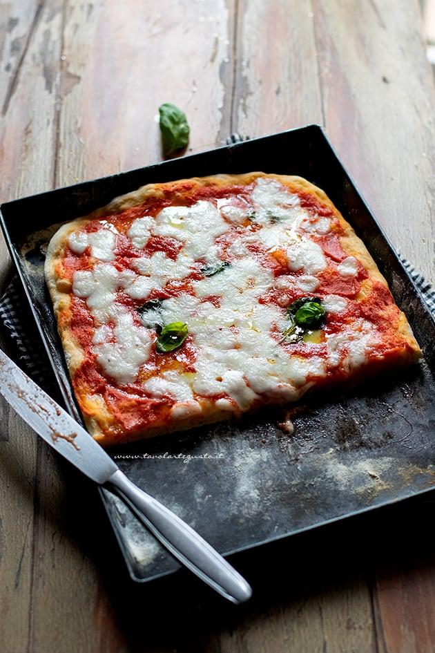 Pizza senza lievito morbida