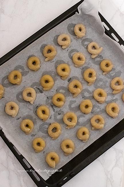 cuocere in forno i taralli