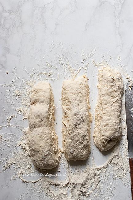 dividere in filoncini - Ricetta pane senza lievito