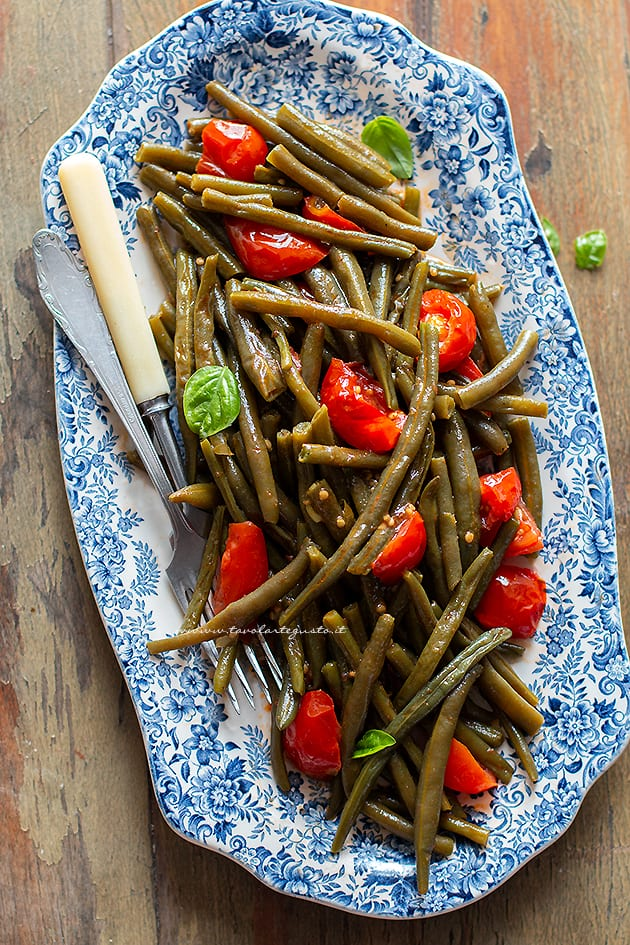 Fagiolini in umido- Ricetta Fagiolini in umido al pomodoro-