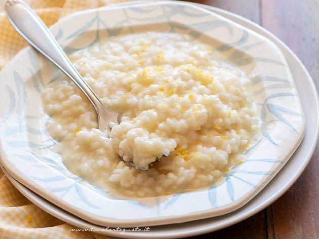 Ricetta Risotto In Bianco.Risotto Al Limone Cremoso E Profumato La Ricetta Veloce