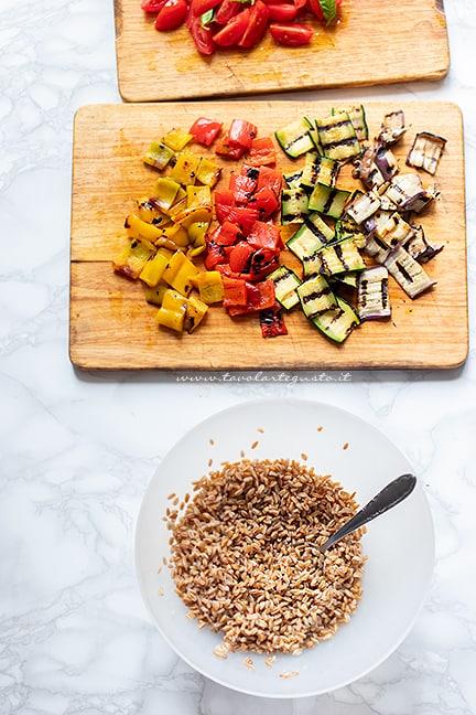 come fare l'insalata di farro