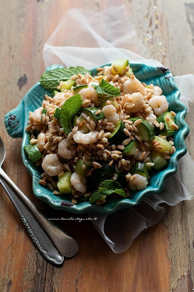 Farro freddo con gamberetti e zucchine - Ricetta Farro freddo-