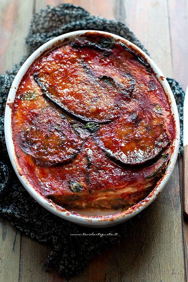 Parmigiana di Melanzane - Melanzane alla parmigiana - Ricetta Parmigiana-