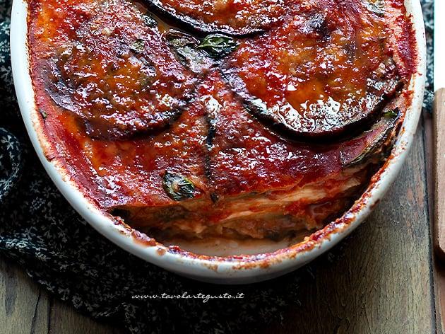 Parmigiana di Melanzane - Melanzane alla parmigiana - Ricetta Parmigiana
