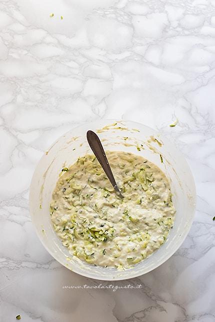 zucchine in pastella - Ricetta Frittelle di zucchine