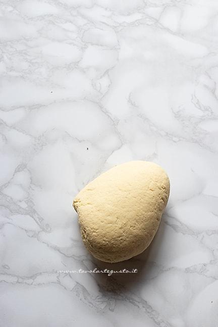 formare una palla - Ricetta Orecchiette