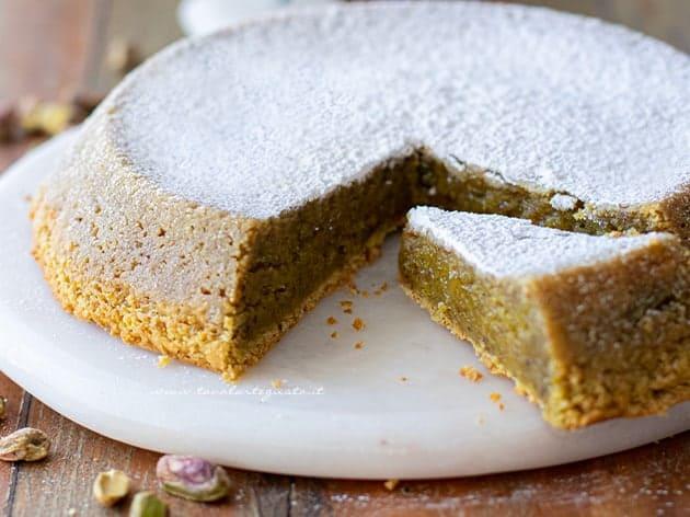 Caprese al pistacchio e cioccolato bianco - Ricetta Caprese al pistacchio