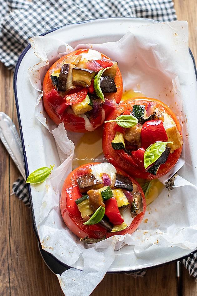 Pomodori ripieni di verdure - Ricetta Pomodori ripieni di verdure