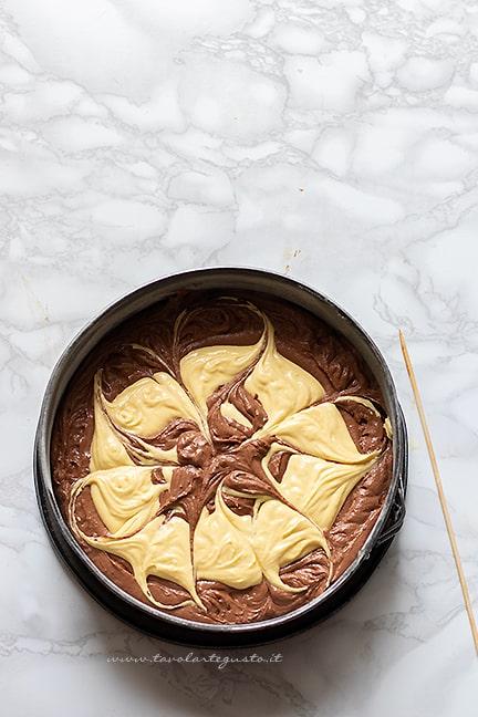 cuocere in forno la torta variegata