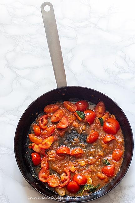 sughetto di pomodorini -Ricetta Pasta con stracciatella di burrata e pomdorini