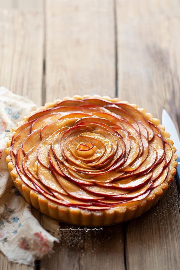 Crostata di mele - Ricetta Crostata di mele-