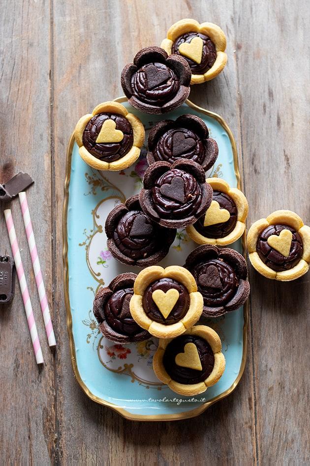 Crostatine al cioccolato - Ricetta Crostatine al cioccolato-