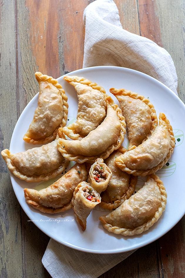 Ricetta Pasta Empanadas.Empanadas Ricetta Originale Delle Empanadas Argentine Al Forno O Fritte