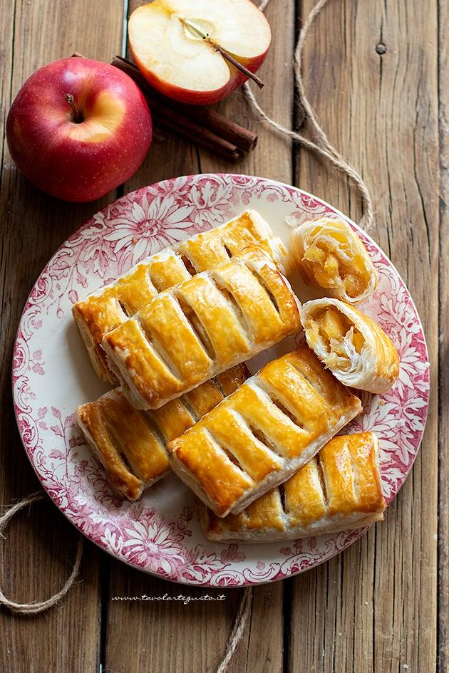 Ricetta Fagottini di mele - Ricetta Fagottini di pasta sfoglia e mele-