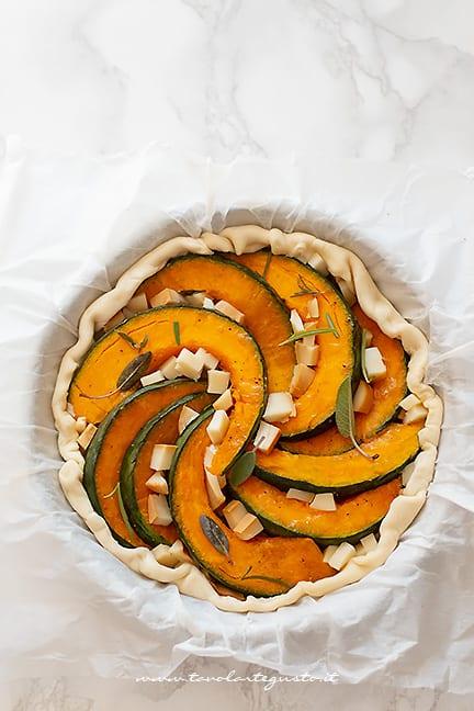 aggiungere la zucca - Torta salata di zucca