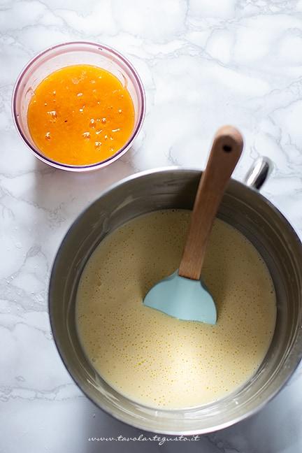 aggiungere la polpa di cachi - Ricetta Torta di cachi