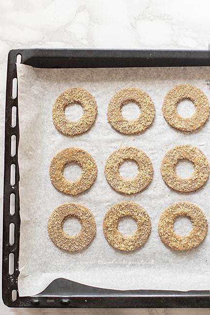 cuocere i biscotti di grano saraceno