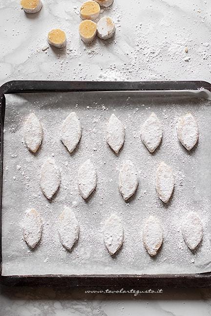 ricciarelli di Siena da cuocere