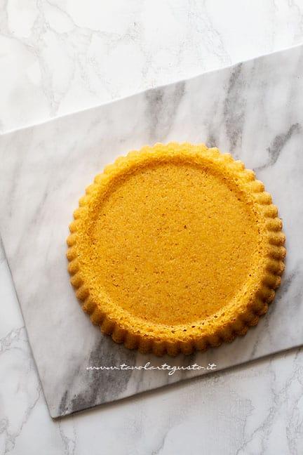 sformare la crostata morbida - Ricetta Torta Kinder Bueno