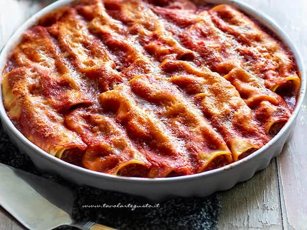 Cannelloni - Ricetta cannelloni ripieni di carne al forno
