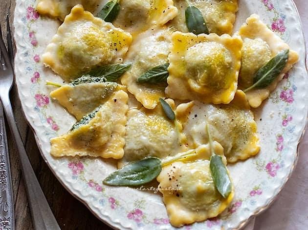 Ravioli ricotta e spinaci - Ricetta Ravioli