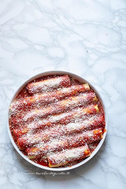 cuocere i cannelloni al forno