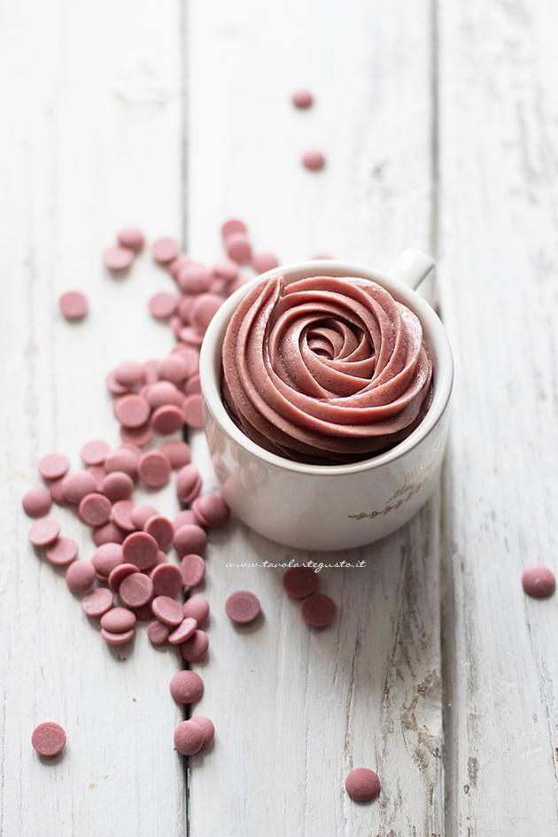 Ganache al cioccolato ruby - Crema al cioccolato ruby-