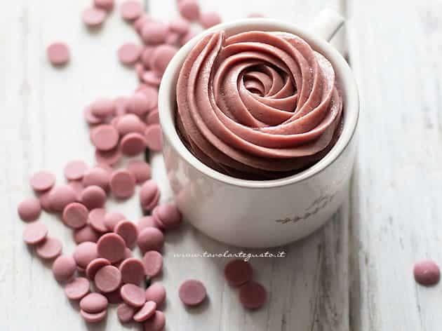 Ganache al cioccolato ruby - Crema al cioccolato ruby