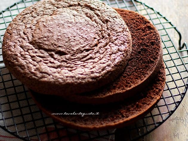 Ricetta Pan Di Spagna Tavolartegusto.Pan Di Spagna Al Cioccolato Pan Di Spagna Al Cacao La Ricetta Perfetta