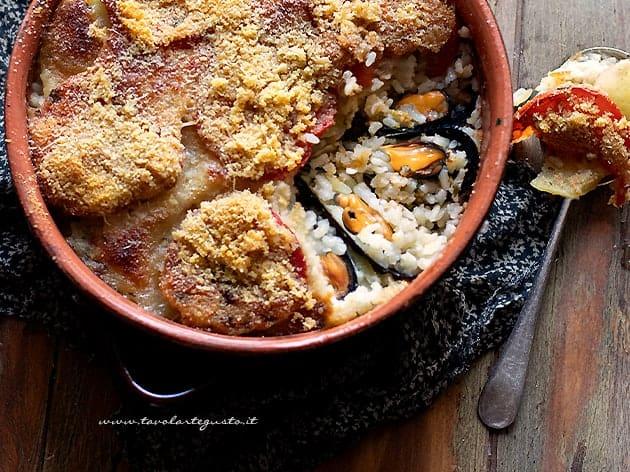 riso, patate e cozze (Tiella barese)
