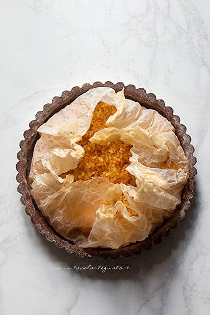 cuocere il guscio della crostata pere e cioccolato